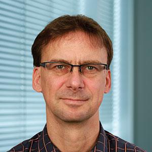 Dr. Axel Schloßer